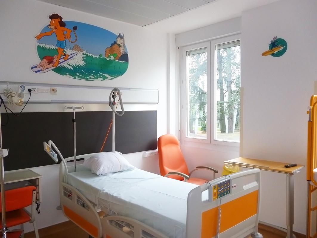 Une aventure amusante pour les enfants sur les murs de l\'hôpital ...